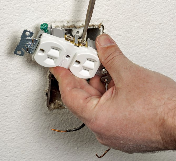 Fixing Electric Sockets